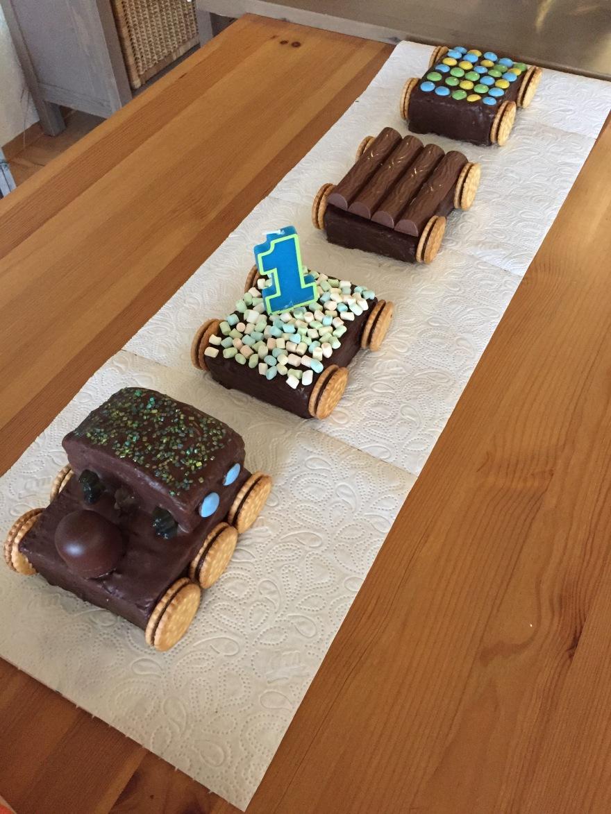 Ein Zuckerfreier Eisenbahn Kuchen Zum 1 Geburtstag Mehr Als